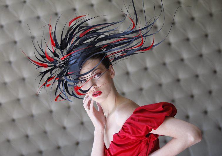 Úžasný klobouk od návrháře Philipa Treacy