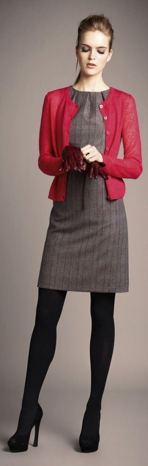 Zimní šaty s růžovým svetříkem