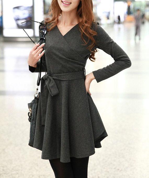 šedé šaty na podzim