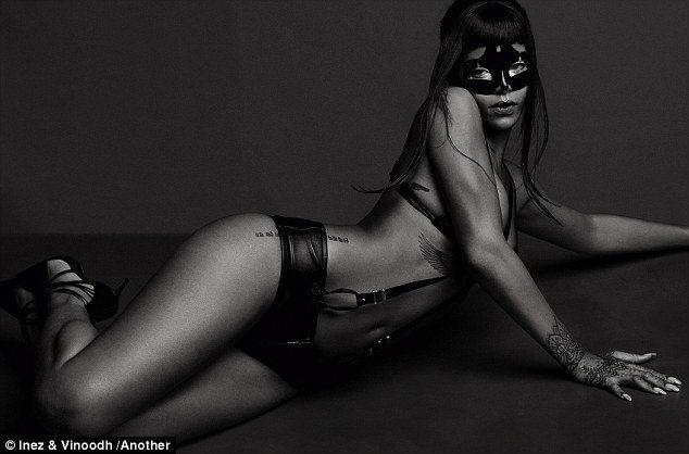 Rihanna Maska Alexander McQueen AnOther