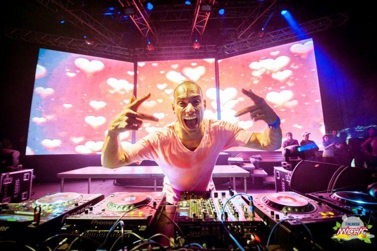 DJ Brian Mácháč