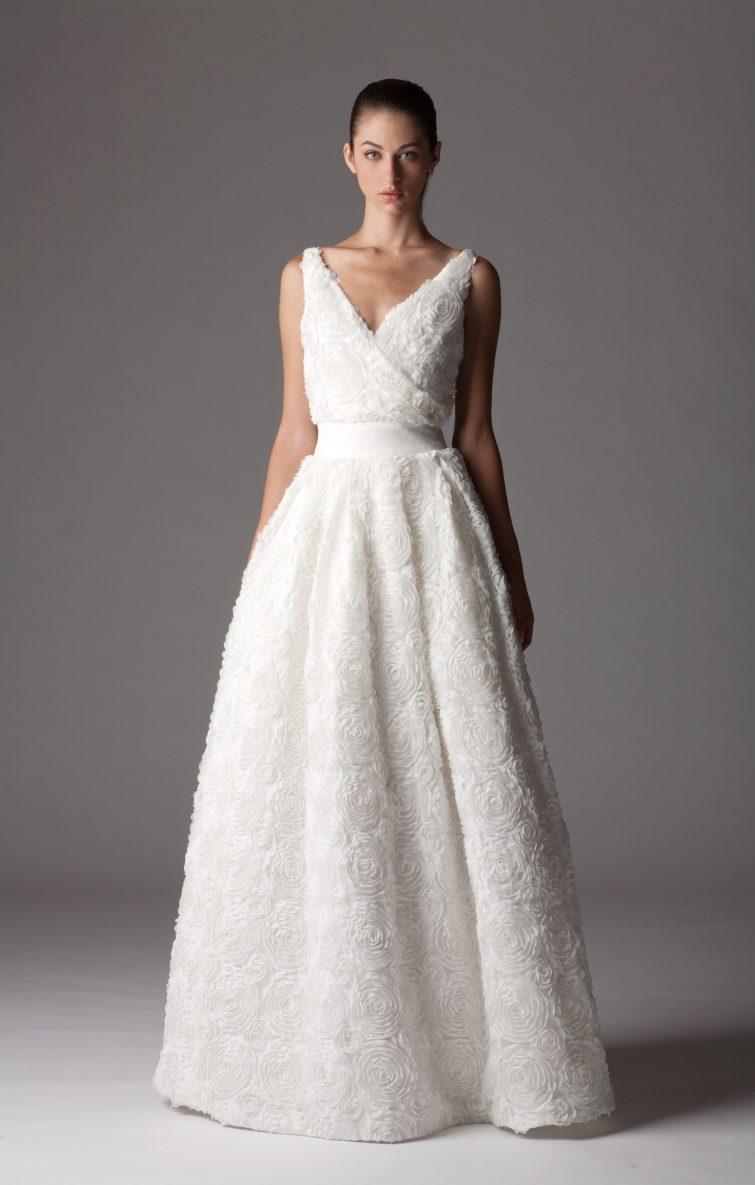 šaty nevěsta postava trojúhelník