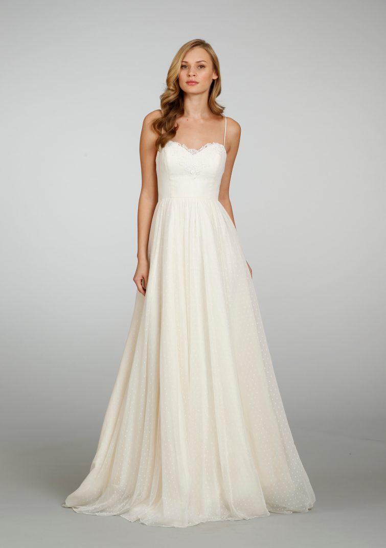svatební šaty oválná postava