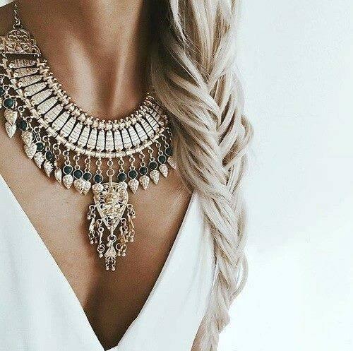 výrazný náhrdelník rady jak nosit