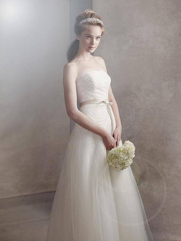 Sněhobílé svatební šaty od Very Wang