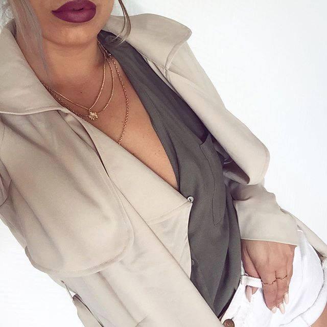 podzimní kabáty dámské trendy