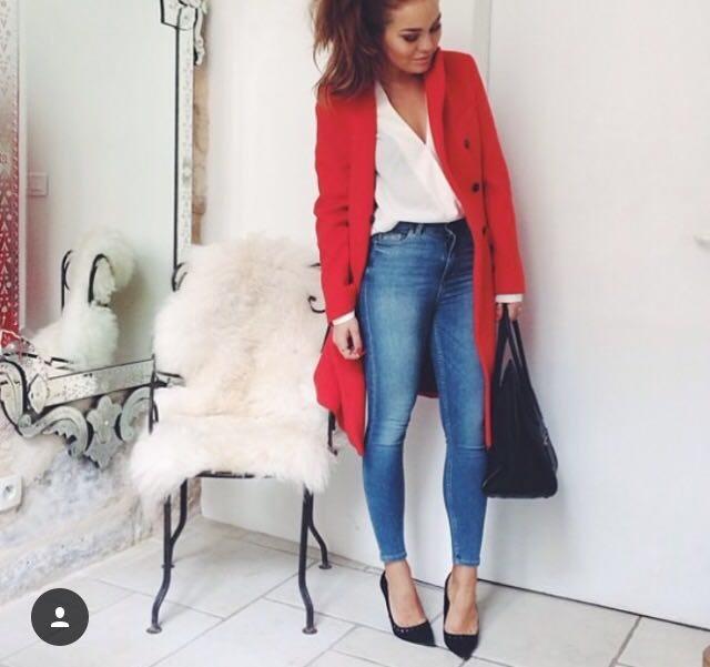 červený kabát