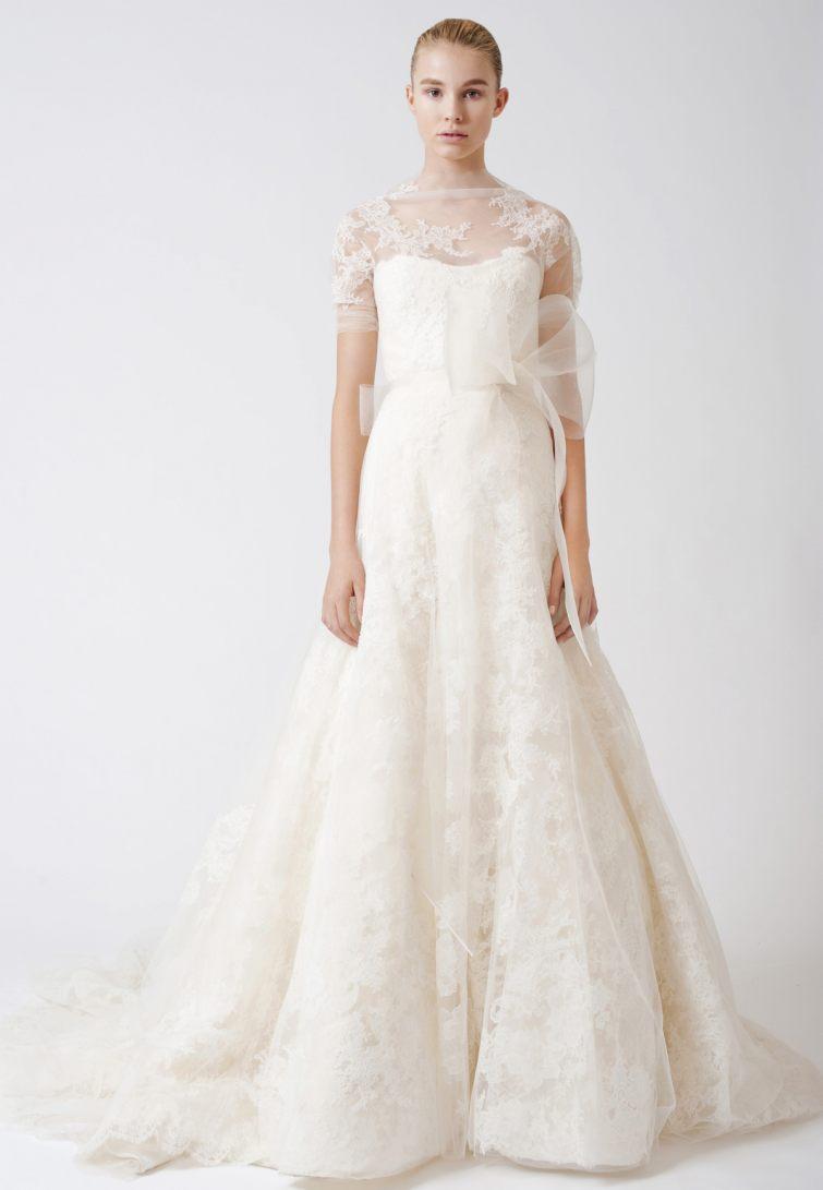 bílé šaty na svatbu pro nevěstu