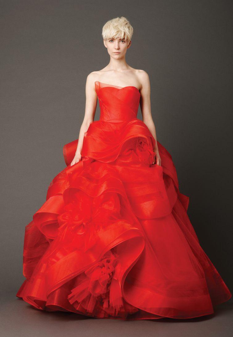 červené svatební šaty
