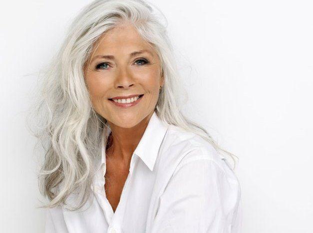 účesy pro starší ženy