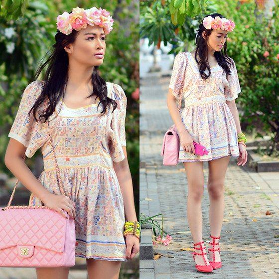 květinový věnec pastelové šaty