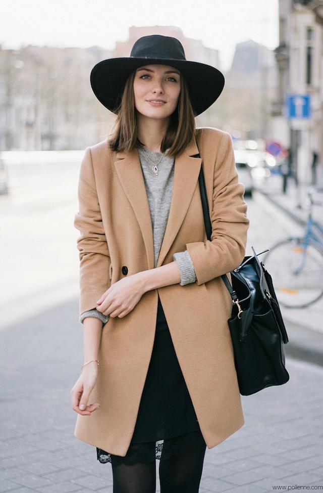béžový kabát jak kombinovat