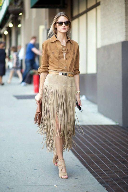 Olivia Palermo v semišové sukni