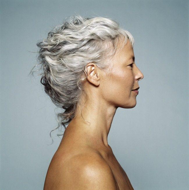 účesy pro ženy nad 50