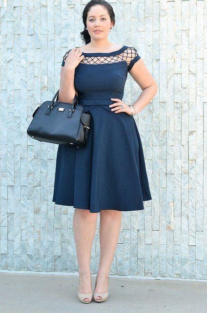 šaty s širokou sukní