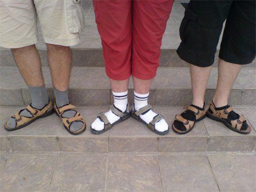 ponožky v sandálích módní peklo