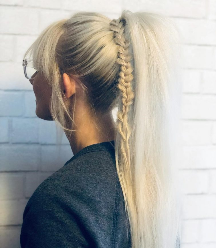 dlouhé vlasy culík top trendy účesy 2019