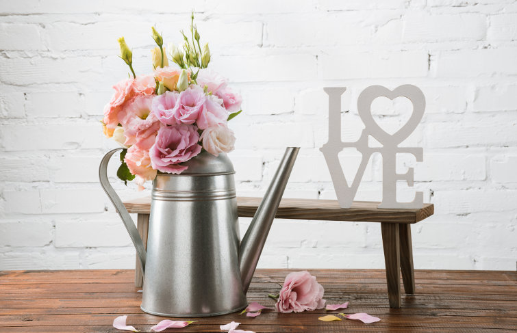 svatebni dekorace umele kvetiny